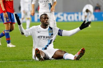 Yaya Toure gesturing to CSKA Moscow fans